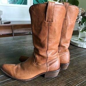 Frye Billy Pull On Boots 8